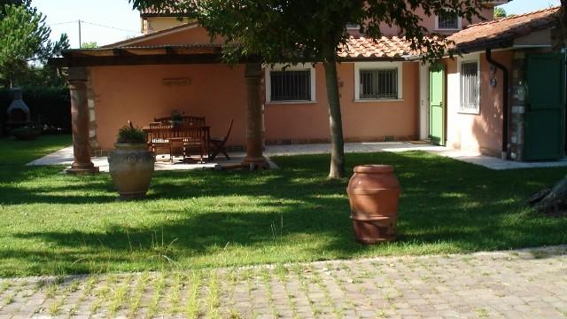 Villa Pietrasanta Tonfano Mq 160 Giardino Mq 1300