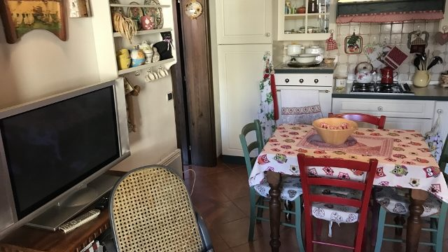 Appartamento Porzione Bifamiliare Pianosinatico Tre Vani Mq 80